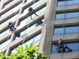 Window cleaners face peril