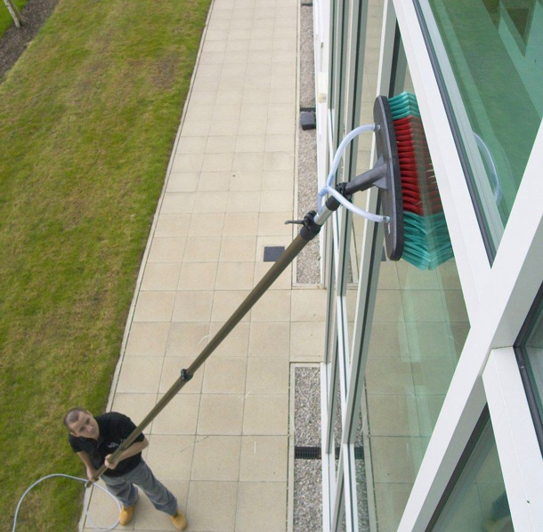 Window Cleaning Pole System: Pole Position