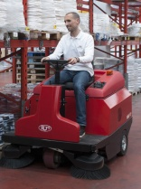RCM updates R850 sweeper model
