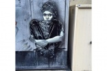 French cleaners scrub off street art