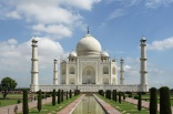 India's Taj Mahal damaged by constant cleaning