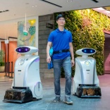 Winking robots to be cleaning and rapping on Singapore streets by 2020